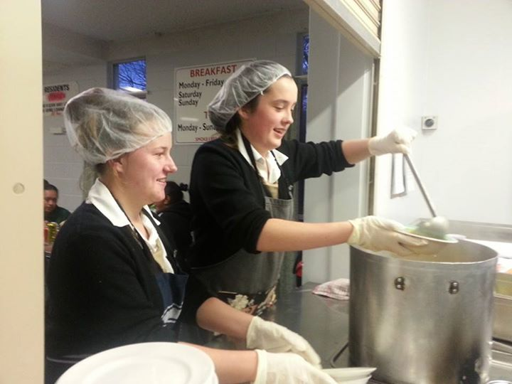 Baradene College Students assist in the preparation of 40+ hot meals for residents